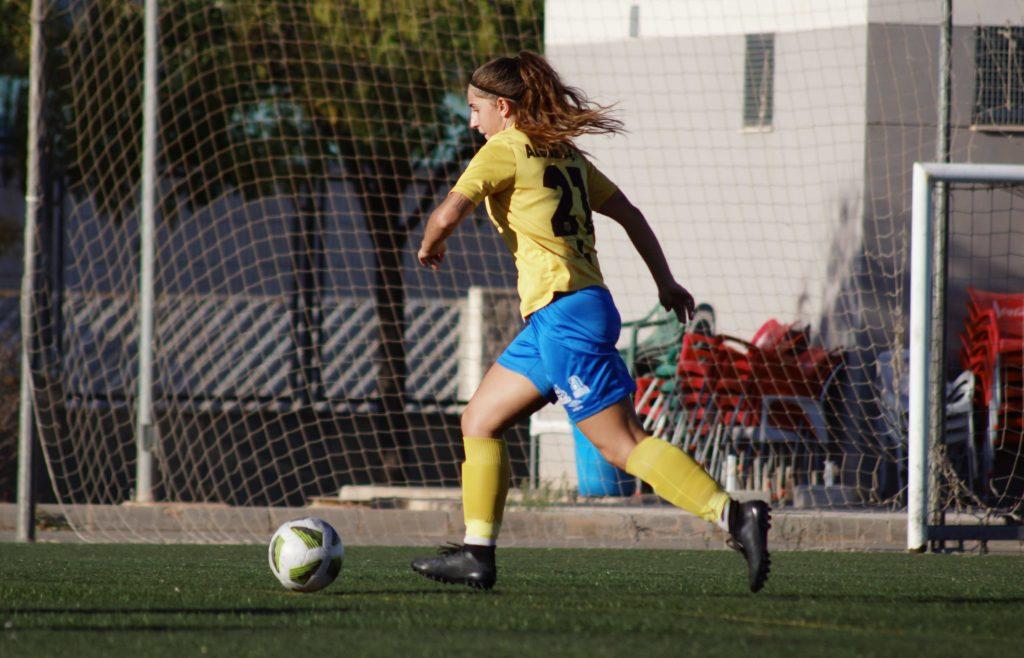21. Alejandra Díaz